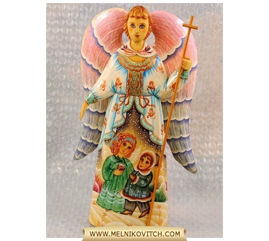Angel figurine with cross